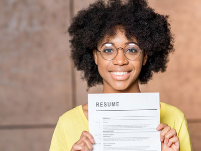 These college student resume examples will take your application to the next level. Check out these easy-to-use visual resume templates!